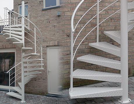 Inox en stalen trappen metaalconstructie inghelbrecht for Stalen draaitrap